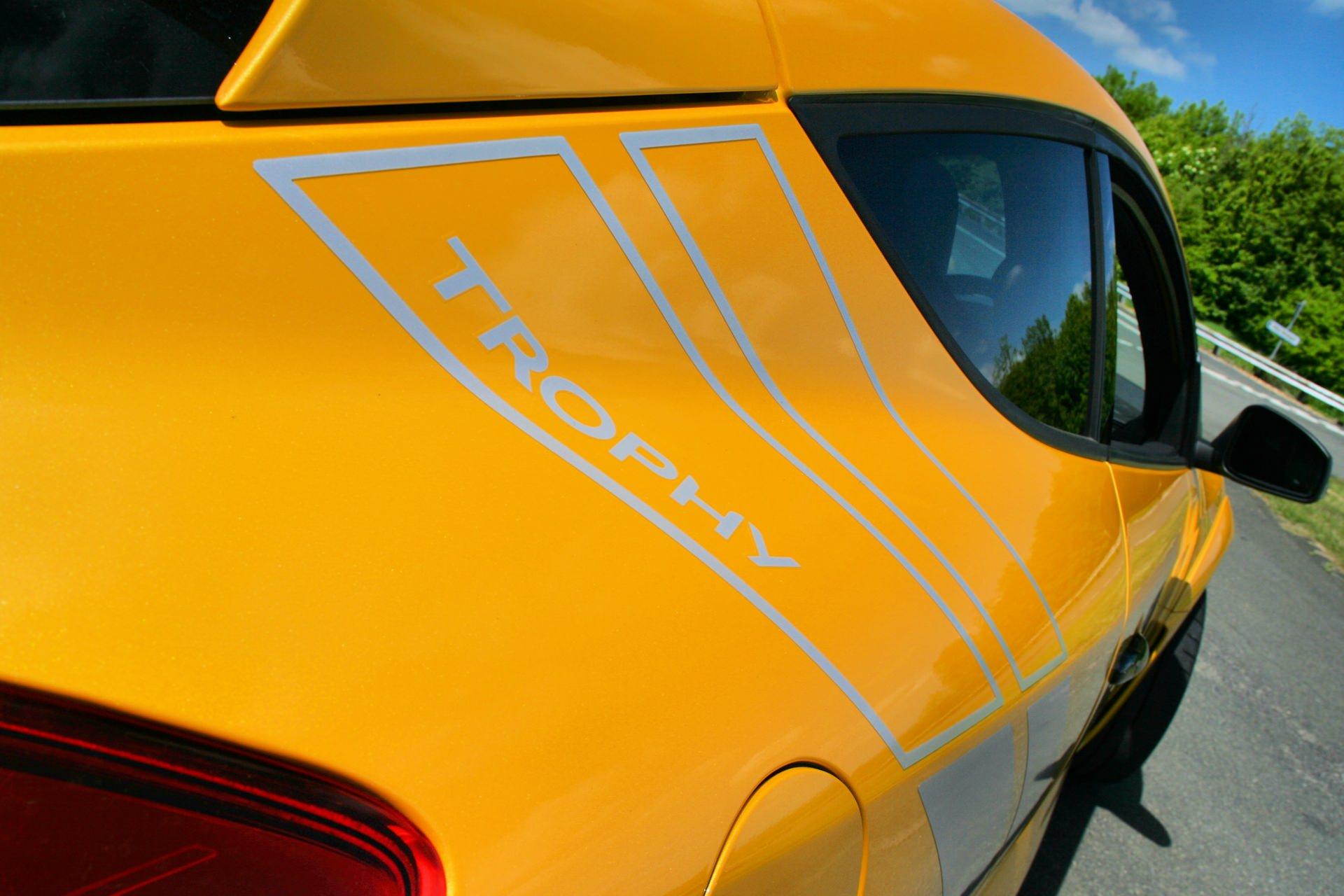 Renault Megane 275 Trophy 03